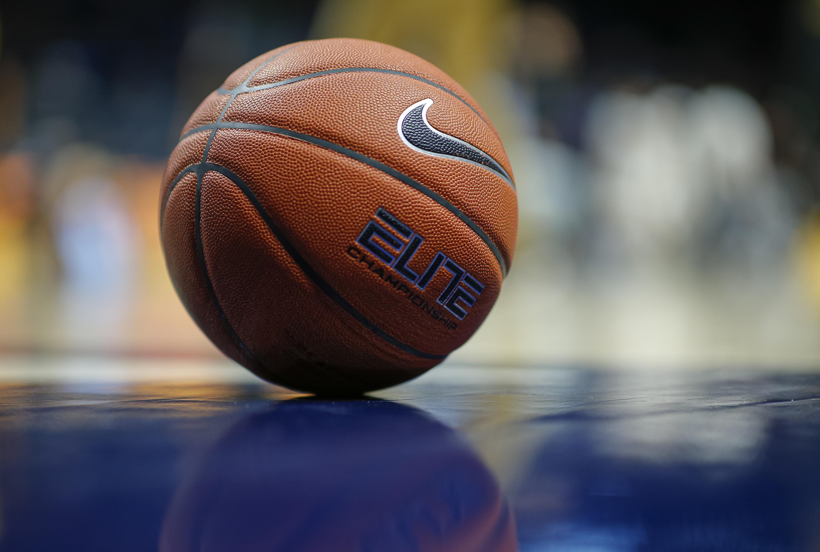 NCAA Basketball: 2021 wing Brooks Barnhizer talks recruitment